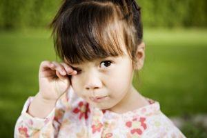 Аллергический весенний конъюнктивит у детей, причины, симптомы, лечение