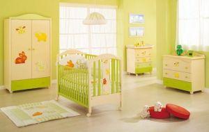 Детская кроватка и постельное белье для новорожденных