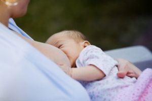 До која возраст е да го доите Вашето бебе?