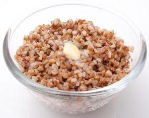 Добавляйте в рацион ребенка хлеб, каши, рис и макароны