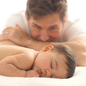 Если ребенок спит на животе или на спине