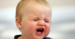 Икота у детей, что делать, причины, лечение, симптомы
