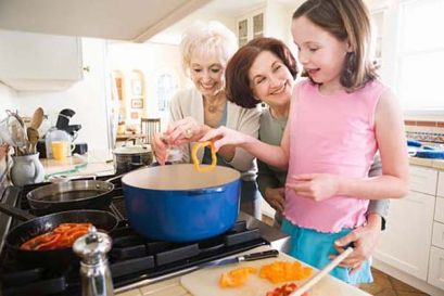Што храна треба да се избегнува до годината на детето