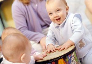 Когнитивное развитие ребенка от восьми месяцев до года