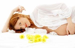 Наблюдение врача, лечение и уход после родов