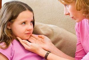 Острый ларингит у детей, лечение, симптомы, признаки, причины