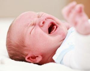 Плач новорожденного ребенка, причины