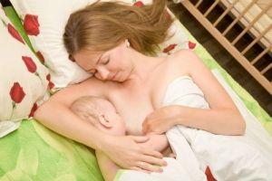 Prihod materinega mleka po porodu: kako pospešiti?
