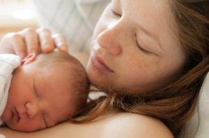 Сенсорная стимуляция мозга новорожденного ребенка