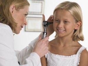 Серная пробка у ребенка, лечение, симптомы
