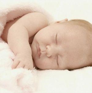 Сон ребенка и кормление по требованию