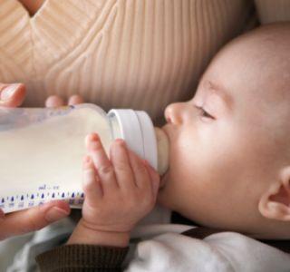 Искусственное вскармливание количество кормлений.здоровый малыш на искусственном вскармливании.