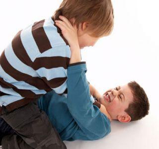 Как научить ребенка драться?этот вопрос волнует и мам, и пап, но пап, наверное, всё-таки больше.