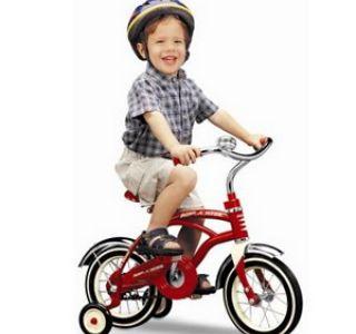 Как научить свое чадо кататься на велосипеде ? Практика и теория от
