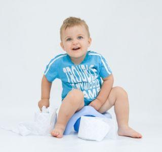 Тъй като детето се отървава от запек? Какво предизвиква детски запек?