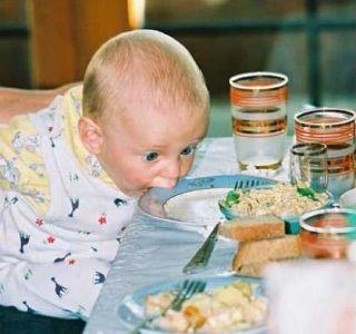 Správná výživa dítěte až jednoho roku. Krmení dítěte podle měsíce od narození do 1 roku