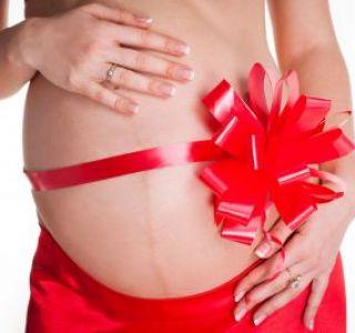 Здоровая беременность на 10-м месяце. Нужно ли беременным ложиться на сохранение?