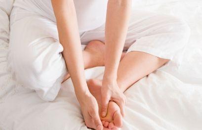 Судороги в ногах при беременности (во время беременности): что делать, причины, лечение