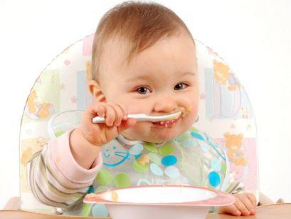 Включение в рацион питания твердой пищи