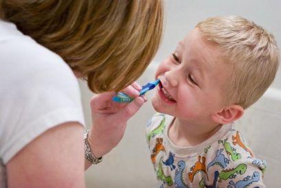 Зубная боль у детей, как обезболить?